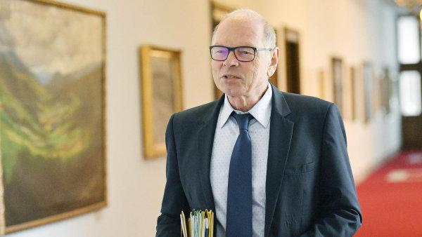 Ministr financí Ivan Pilný nikomu nic navíc dávat nehodlá.