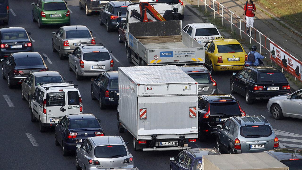 Automobilová doprava (Ilustrační foto).