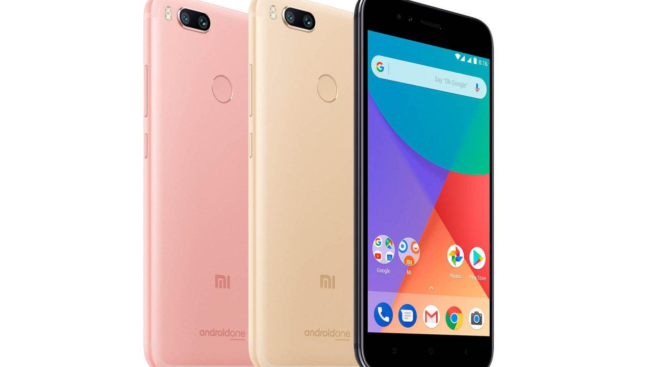 Opozornost se mezi telefony zašest tisíc hlásí Xioami Mi A1, první telefon zprogramu Android One dostupný vČesku.