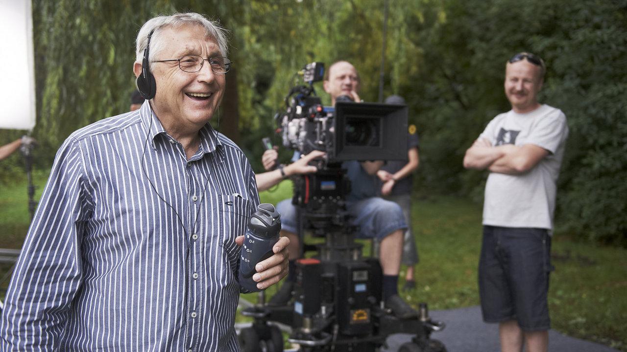 Z natáčení Menzelových Donšajnů, premiéra je 30. května