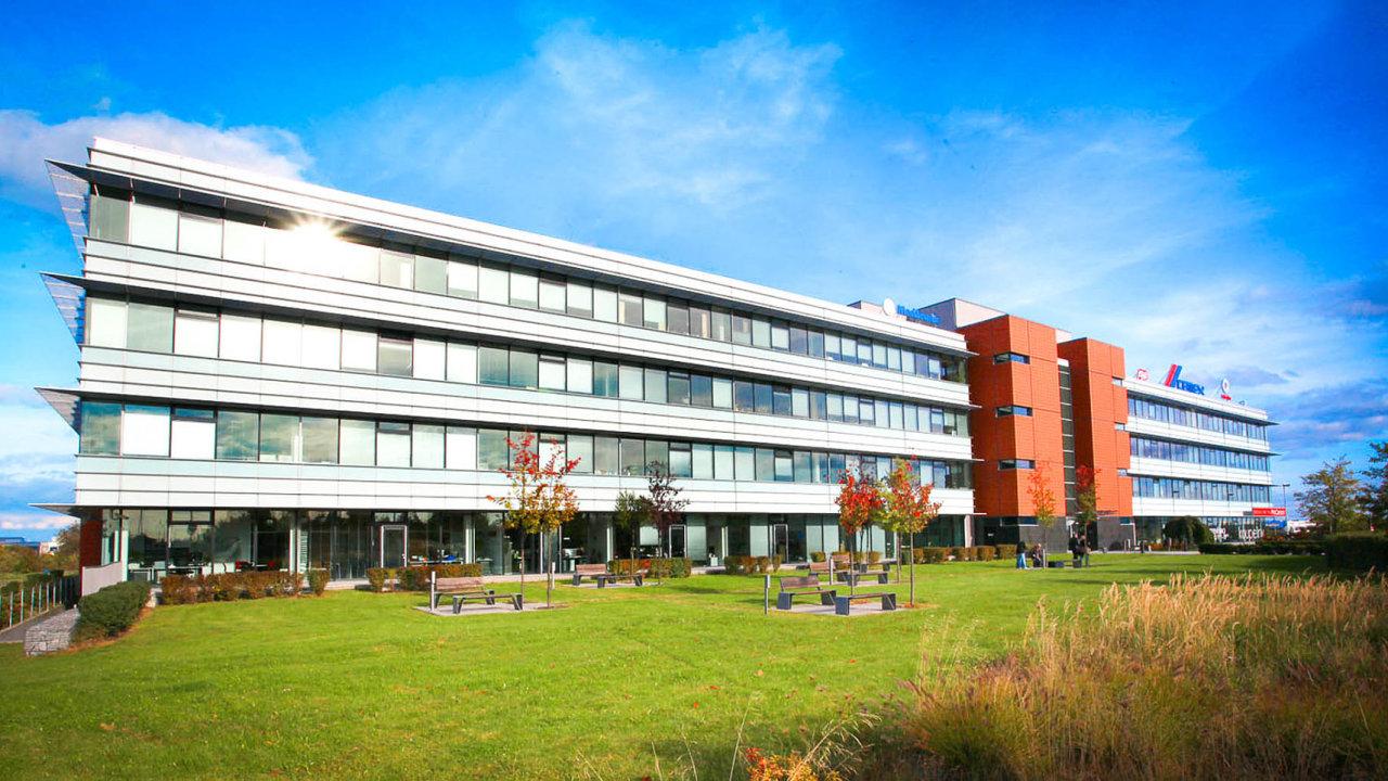 Pražskou kancelářskou budovu Oregon House letos od zahraničního investora koupil český fond kvalifikovaných investorů BH German Real Estate Fund SICAV.
