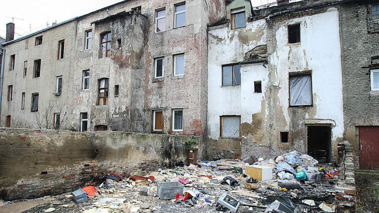 Cizáci v Ústí pobírají dávky a nepracují, kriminalita roste, musíme je naučit chování, říká Madar