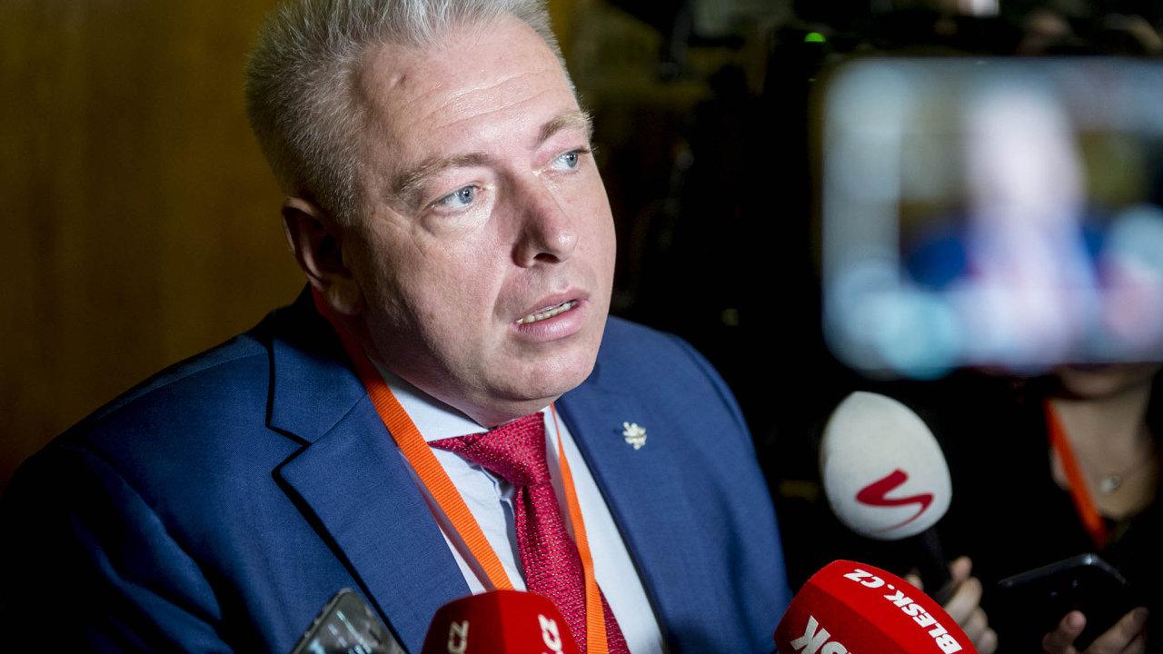 Svědomí proti disciplíně: Milan Chovanec tvrdí, že pro vznik vlády ANO s podporou KSČM hlasovat nemohl kvůli svědomí, spolustraníci mu vyčítají nedostatek disciplíny.