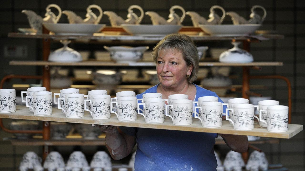 Míšeňská porcelánka chce více oslovovat mladší zákazníky. Slibuje, že bude dodávat více zboží doobchodních domů, kde by mělo být kmání zapřijatelnou cenu.