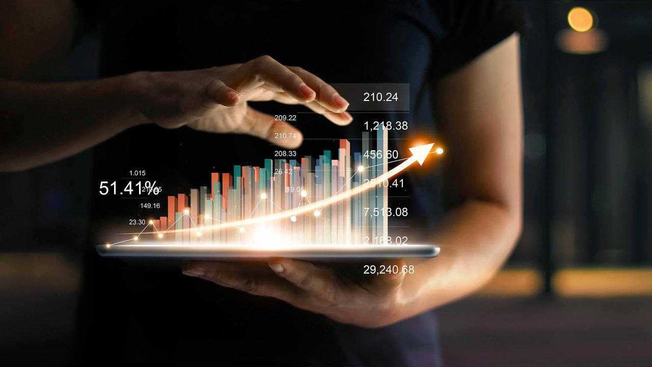 Vnově zasílaných datech odřetězců se statistici vprvé řadě zaměřili najídlo anápoje. (ilustrační foto)