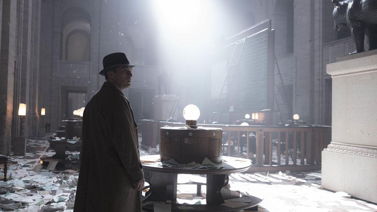 Babylon Berlín je jedním zmála evropských seriálů, jejichž filmařské kvality obstojí také navelkém plátně.