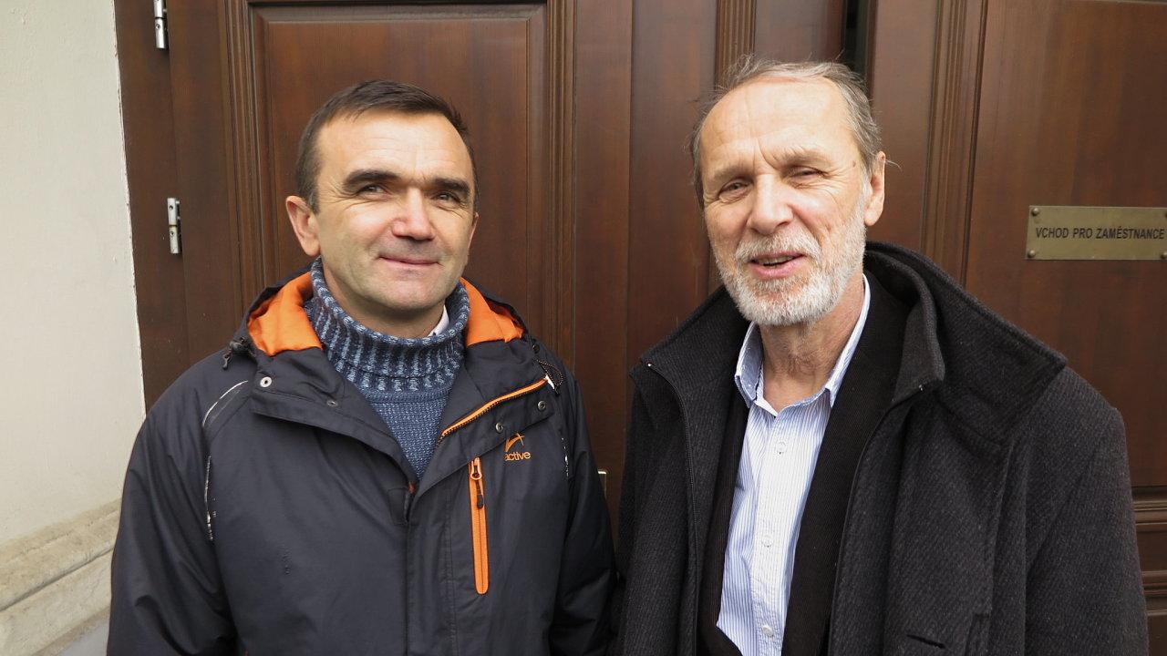 Petro Terpay (vlevo) a hlavní kaplan Vězeňské služby Pavel Kočnar - ten mu ve snaze o jeho očištění pomáhá.