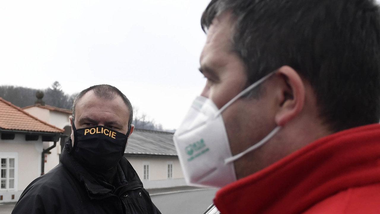Hledání: Ministr vnitra Jan Hamáček asním izbytek kabinetu hledají cestu, jak některá bezpečnostní opatření udržet iposkončení nouzového stavu.