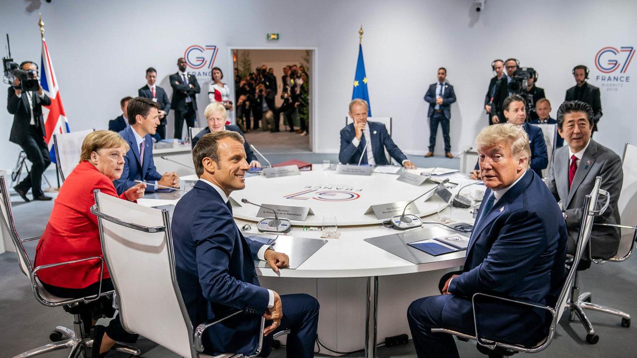 Schůzka mocných. Loňský summit G7 vefrancouzském Biarritzu ašéfové zúčastněných států.