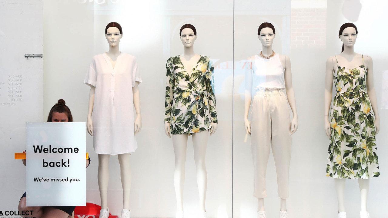 V pondělí 15. června se obchody H&M znovu otevřely britským zákazníkům. Snímek je z anglického Canterbury.