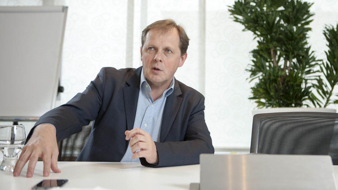 Generální ředitel České televize Petr Dvořák má mandát doroku 2023.