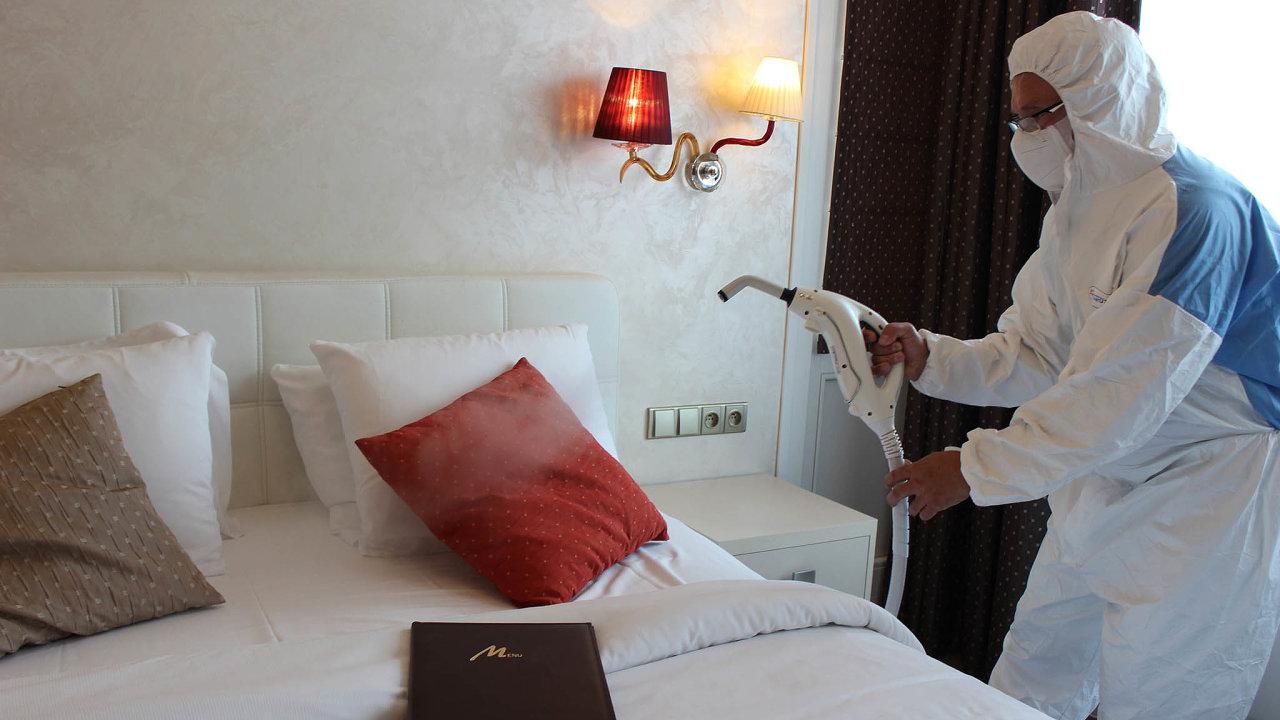 Hotely v Česku zažívají kvůli pandemii covidu-19 těžké časy. A větší nároky na hygienu jsou v tomto ohledu jen drobným detailem.