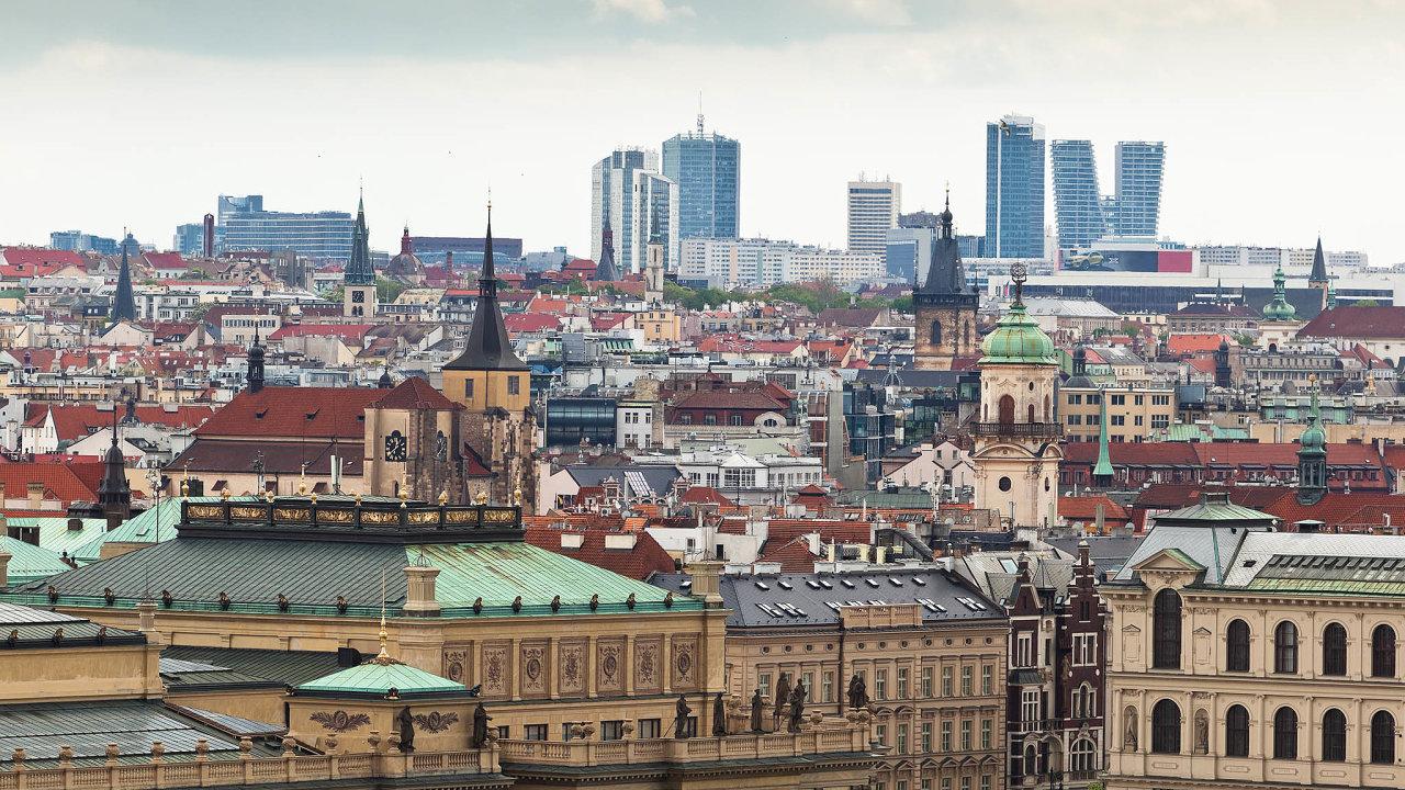 Cena zametr čtvereční vnovostavbě se v Praze vletošním třetím čtvrtletí vyšplhala na110 tisíc korun, což je o3,2 procenta více než loni stejnou dobou.