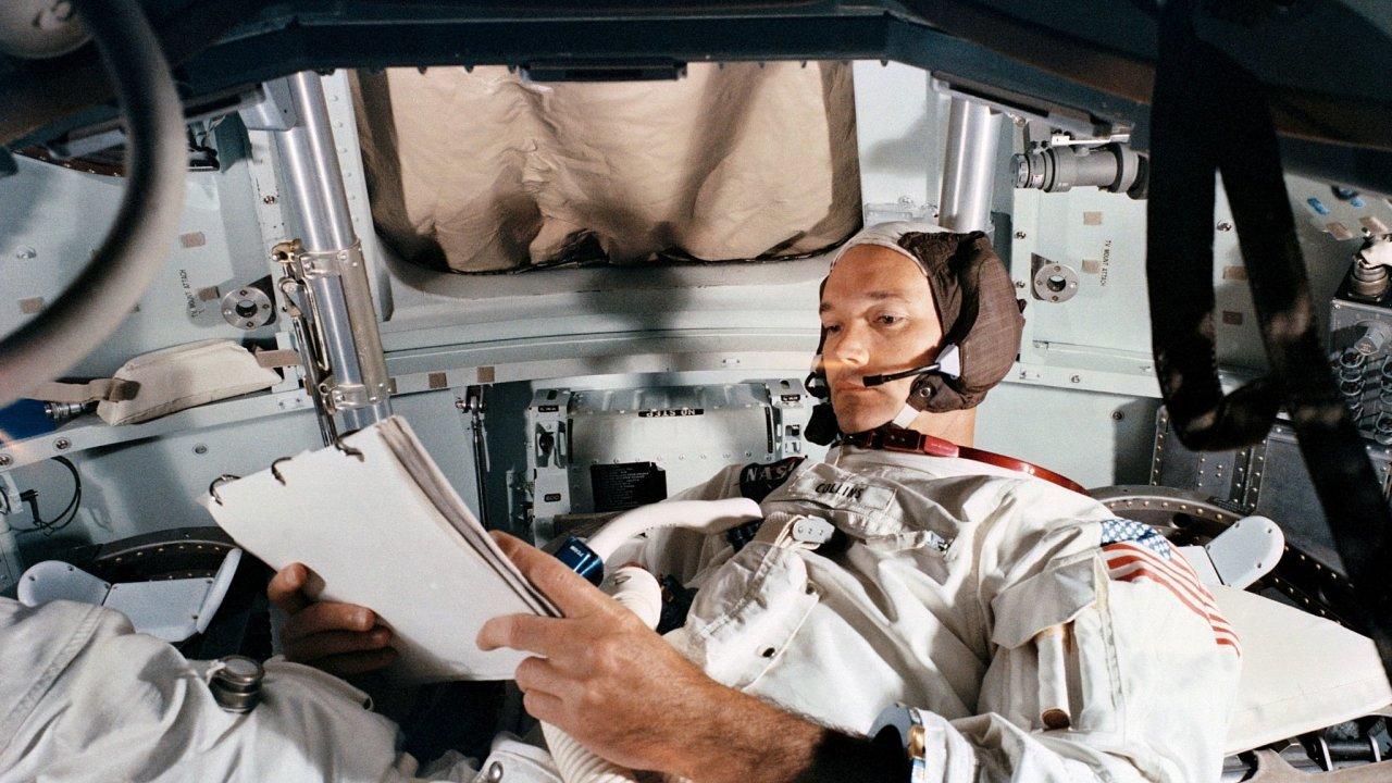 Zemřel člen výpravy Apolla 11 Michael Collins.