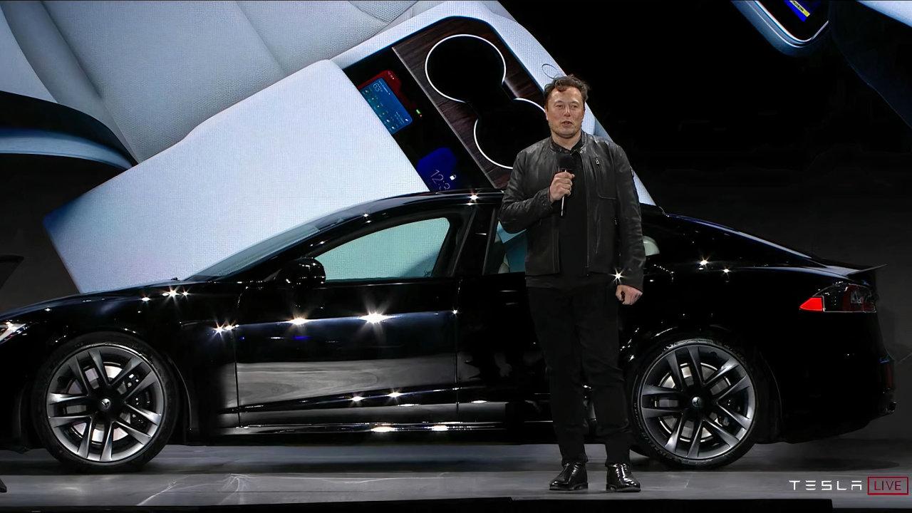 Elon Musk představuje Model S Plaid, podle jeho slov nejrychlejší sériově vyráběný elektrovůz na světě.