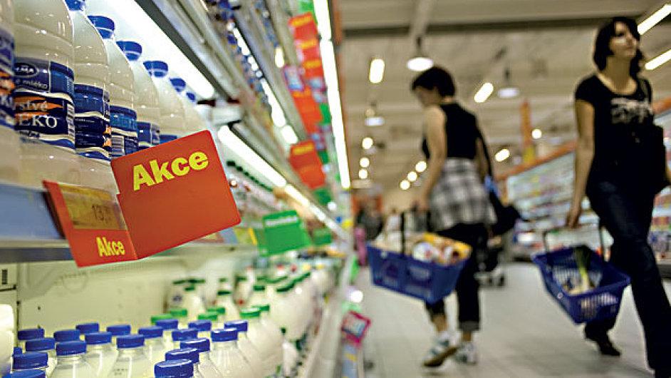 Klesá cena potravin a benzinu. ČNB je proti tomu bezmocná - Ilustrační foto.