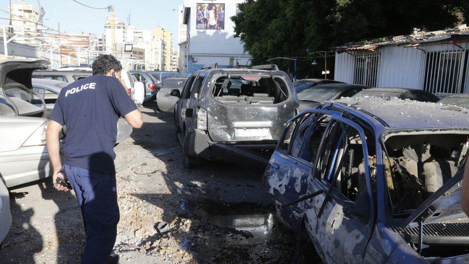 Na Bejrút v neděli dopadly dvě rakety.