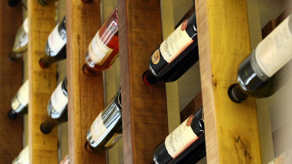 Archivace vína, ilustrační foto