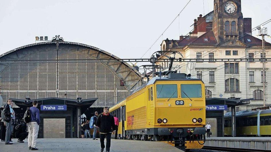 České dráhy, Leo Express a RegioJet tvrdě soupeří na trati z Prahy do Ostravy.