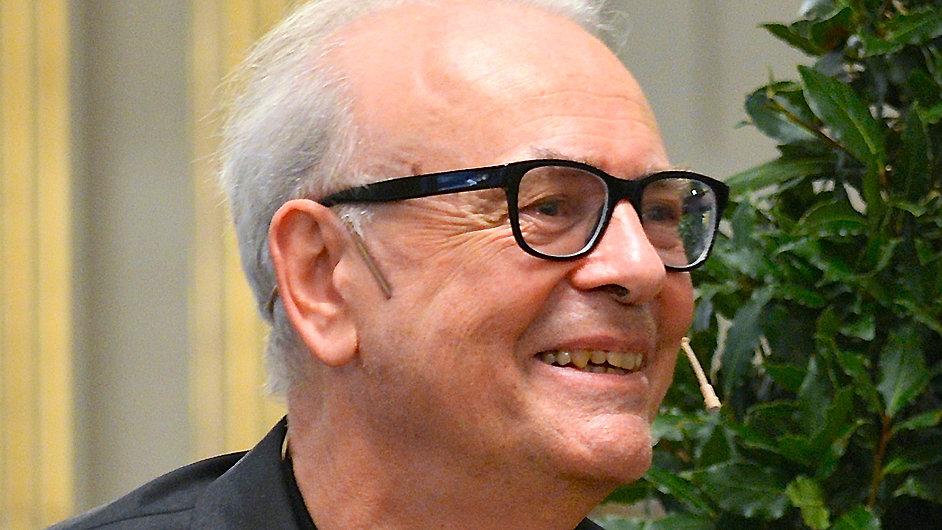 Patrick Modiano na víkendové tiskové konferenci ve Stockholmu
