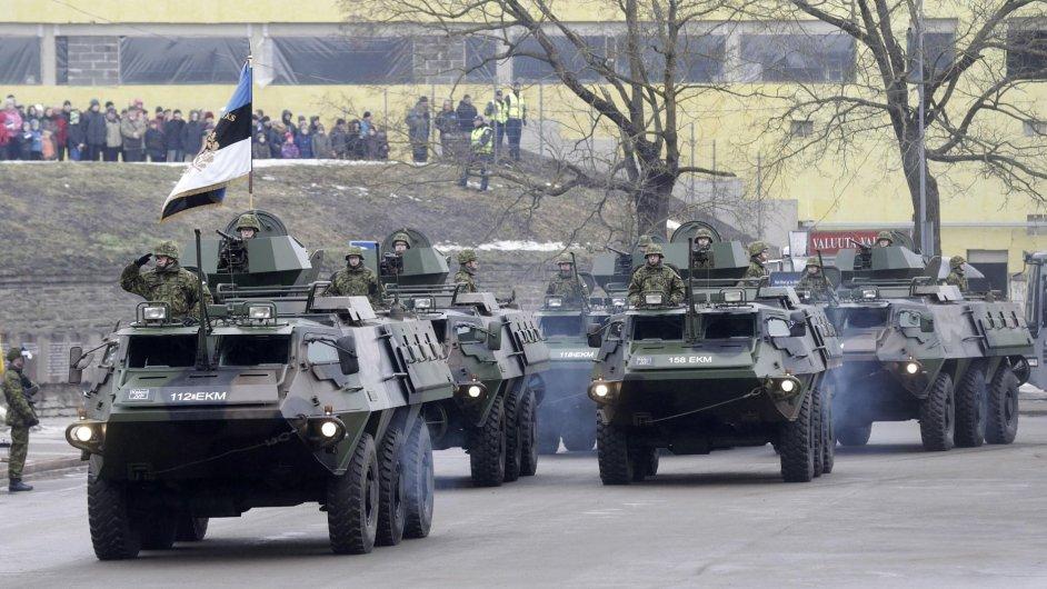 Přehlídka estonské armády v estonský Den nezávislosti