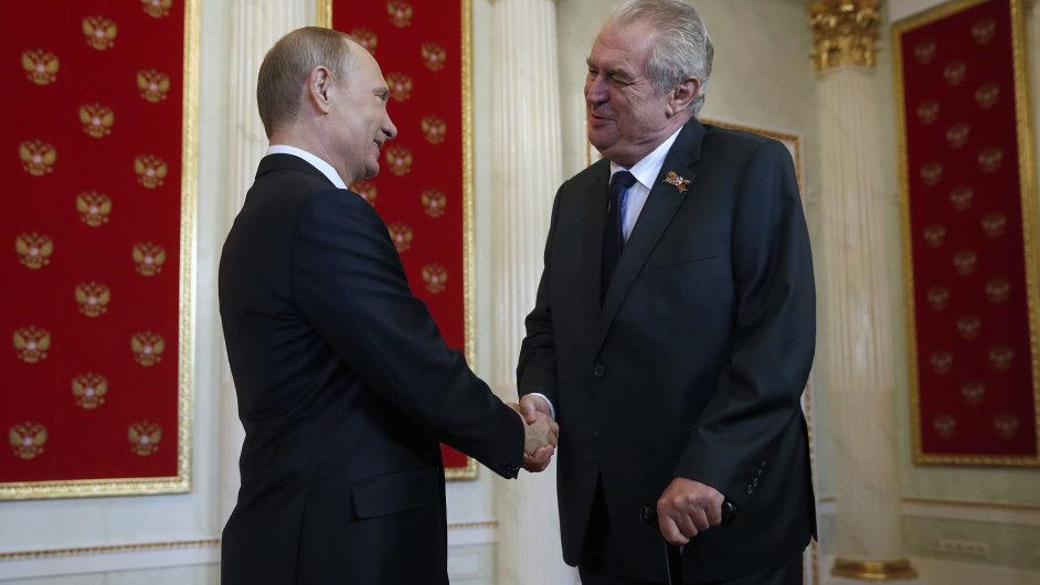 V Moskvě se setkal Miloš Zeman s Vladimirem Putinem.