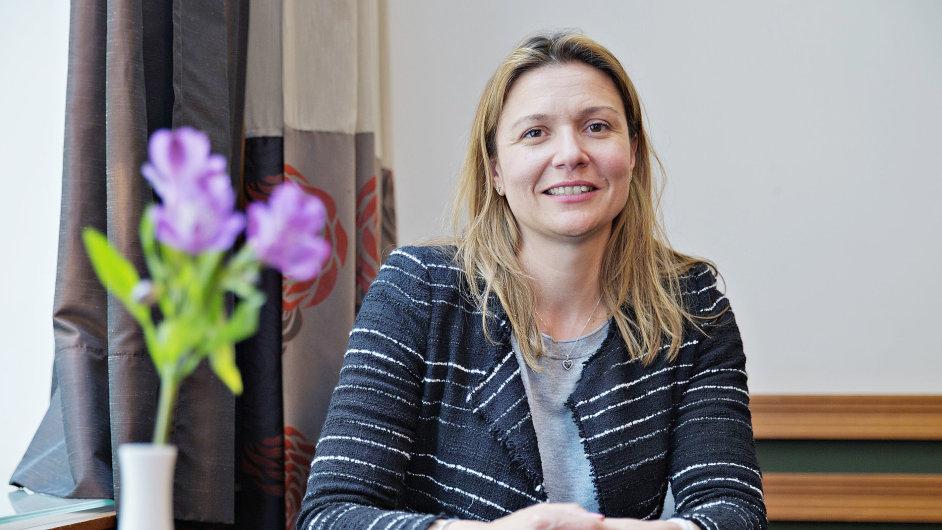 Stephanie SuttonovA