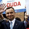 Andrzej Duda, do lo�sk�ho podzimu nezn�m� konzervativn� poslanec z Krakova, se stal polsk�m prezidentem.