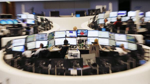�eck� krize stahuje akcie euroz�ny. Propadly se nejv�ce za �ty�i roky