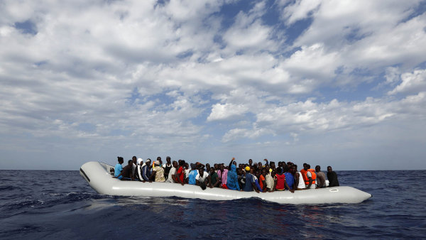 Libyjská pobřežní stráž zachytila 906 migrantů mířících do Evropy - Ilustrační foto.