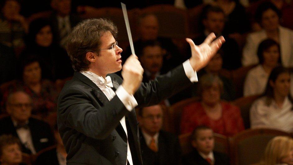 Hrůša již v minulosti řídil pět koncertů Bamberských symfoniků.