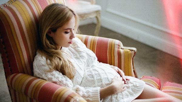 Speciální obuv by měla ženám ulehčit zejména poslední měsíce před porodem.
