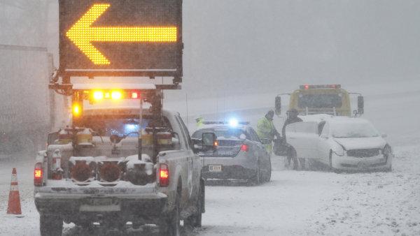 Východ USA zasáhla historická sněhová bouře. Nepřežilo ji 19 lidí - Ilustrační foto.