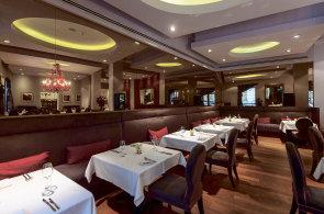 Souzn�n� chut� v noblesn� restauraci Le Grill: Mezi nejobl�ben�j�� j�dla pat�� terina z kachn�ch stehen