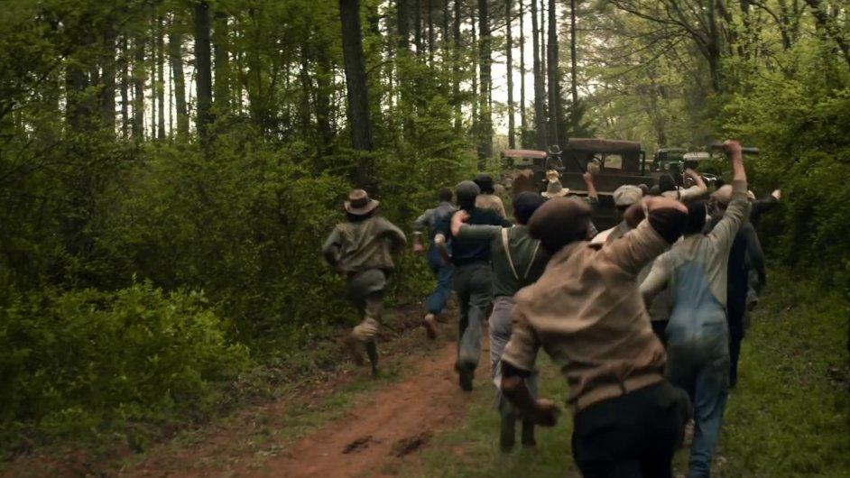 Snímek z filmu In Dubious Battle.