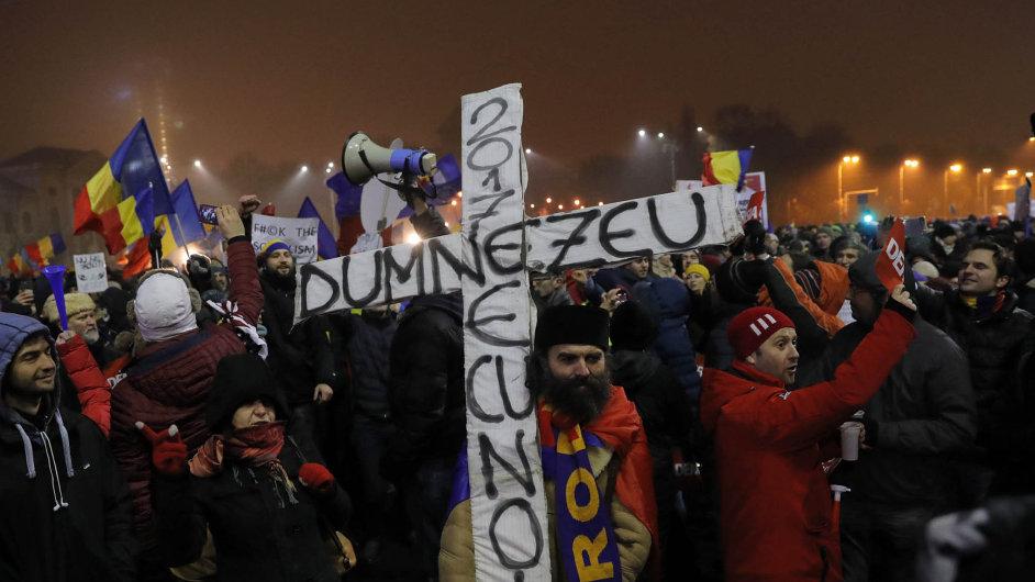 Amnestie pro korupčníky vyhnala Rumuny do ulic.