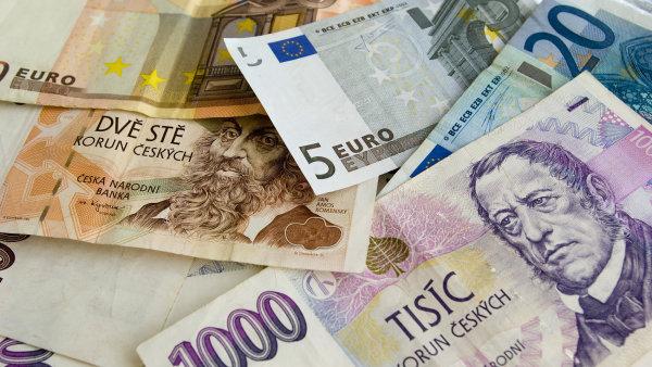 Ke konci června by se mohla česká měna posunout na 26,20 koruny za euro - Ilustrační foto.