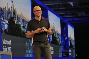 Microsoft má půl miliardy zařízení s Windows 10, Cortanu zavře do reproduktorů od Samsungu