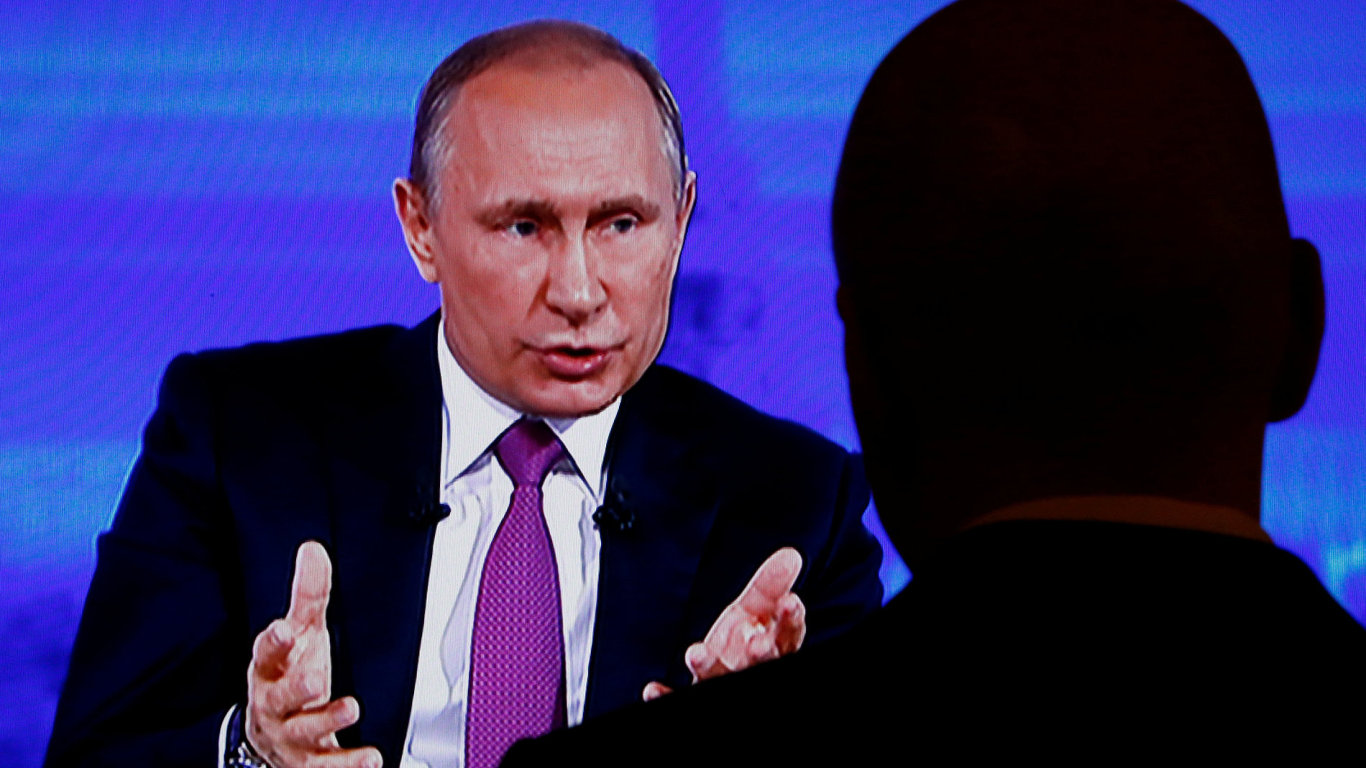 Prezident Putin odpovídal v televizi na dotazy diváků.