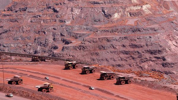 """Ukryt vželezné rudě: Vanad bývá """"benefitem"""" například ztěžby železné rudy. Jeho významné zásoby jsou vJihoafrické republice (nasnímku důl Khathu)."""