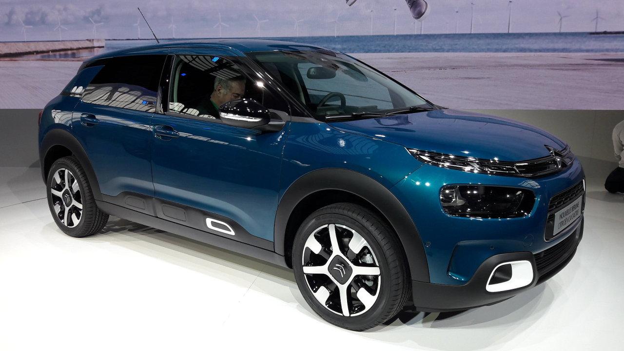 Citroën udělal z C4 Cactus kompaktní hatchback a výrazně změnil jeho design.
