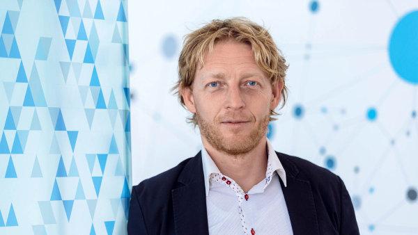 Miliardář a matematik Karel Janeček nabízí nový volební systém.