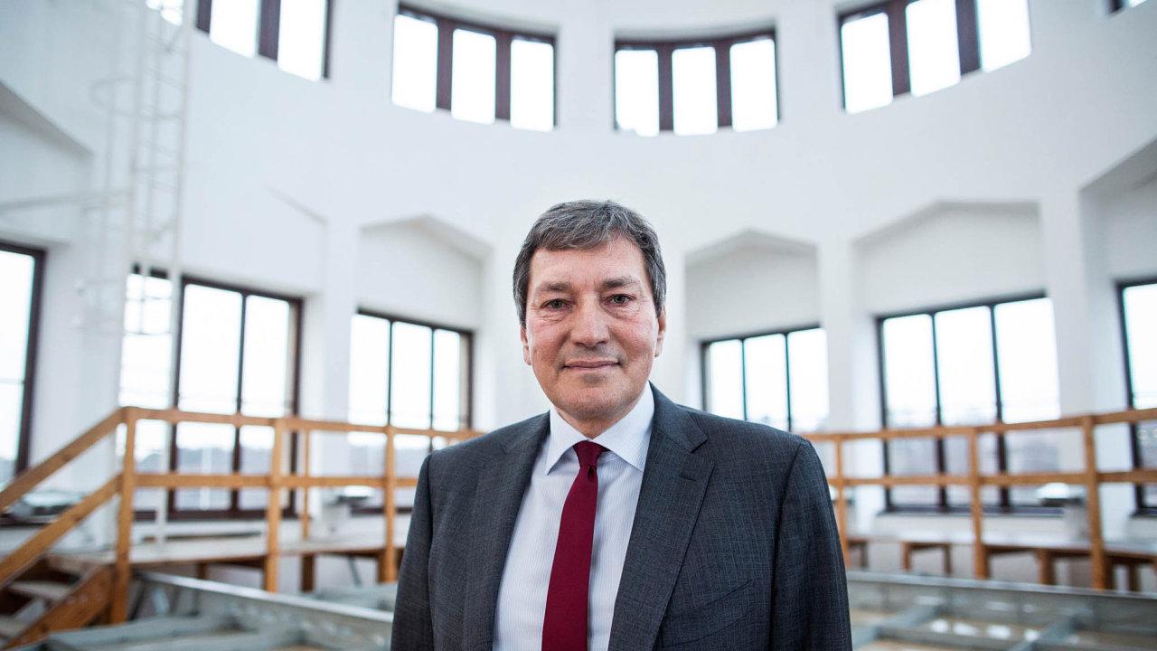 Ministr průmyslu a obchodu v demisi Tomáš Hüner.