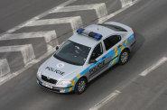 Policistovi, který zakročil v civilu se zbraní v ruce proti řidiči, hrozí až pět let vězení. Jeho kolegu GIBS neobvinila