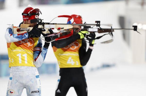 Čeští biatlonisté obsadili v závěrečné štafetě na 4×7,5 kilometru sedmé místo.