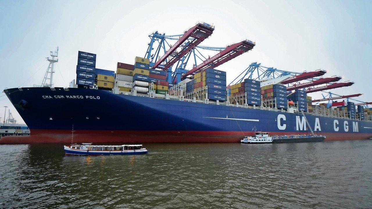 2x kontejnerový gigant a nákladní přístavy