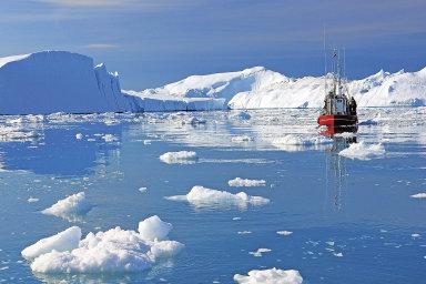Nerostné bohatstvíSeverního ledového oceánu je doposud kvůli zalednění obtížně přístupné. Globální oteplování ale může tuto překážku vdohledné době odstranit.