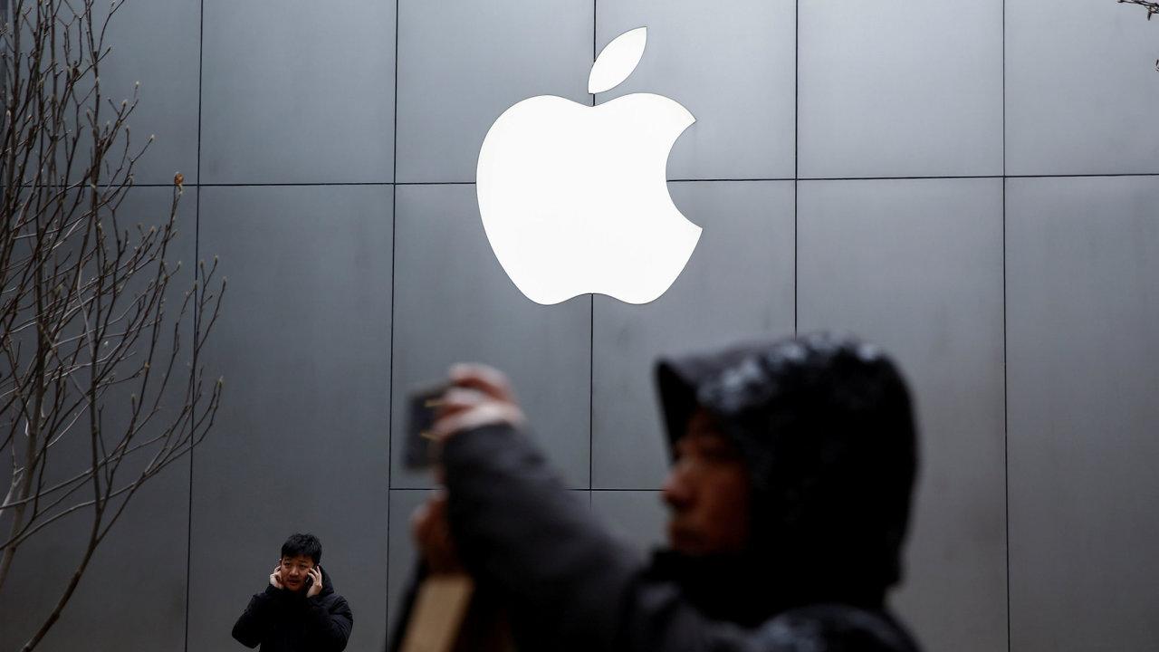 Apple překonal očekávání analytiků, když jeho zisk klesl v minulém čtvrtletí o necelých 13 procent. Výsledky podpořilo hlavně zlepšení trhu v Číně. - Ilustrační foto.