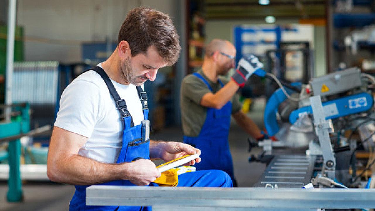 Problém s nedostatkem zaměstnanců řeší firmy i během koronavirové krize.