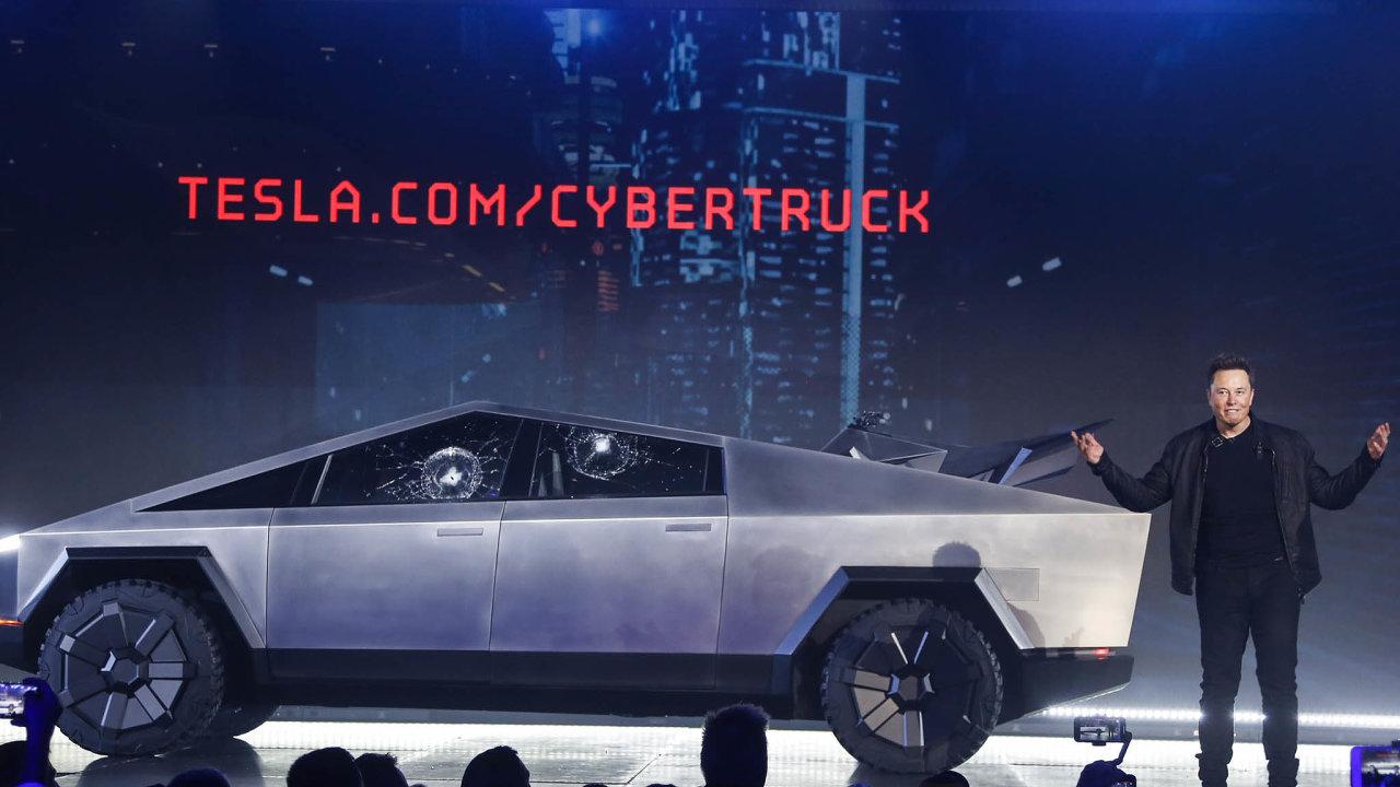 Cybertruck sfuturistickým designem by se podle Elona Muska mělzačít vyrábět koncem roku 2021.